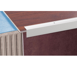 Grooved stair profile 30 R